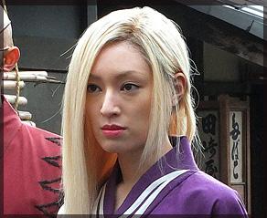 栗山千明,金髪