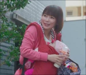 ドラマで星野さん的キャストである横山皆美は、妻の里帰り出産中の有島の様子を麗華に告げるだけに留まっていますが、実際はそれが