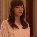 愛してたって秘密はある衣装!5話川口春奈の白ブラウス&黄色パンツのブランドはどこ?