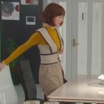 奥様は取り扱い注意衣装!8話本田翼の黄色ニット&ベージュベストスカートが可愛すぎ!ブランドはどこ?