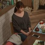 隣の家族は青く見える、深田恭子衣装!二話黒ストライプシャツブラウスが可愛い!ブランドはどこ?